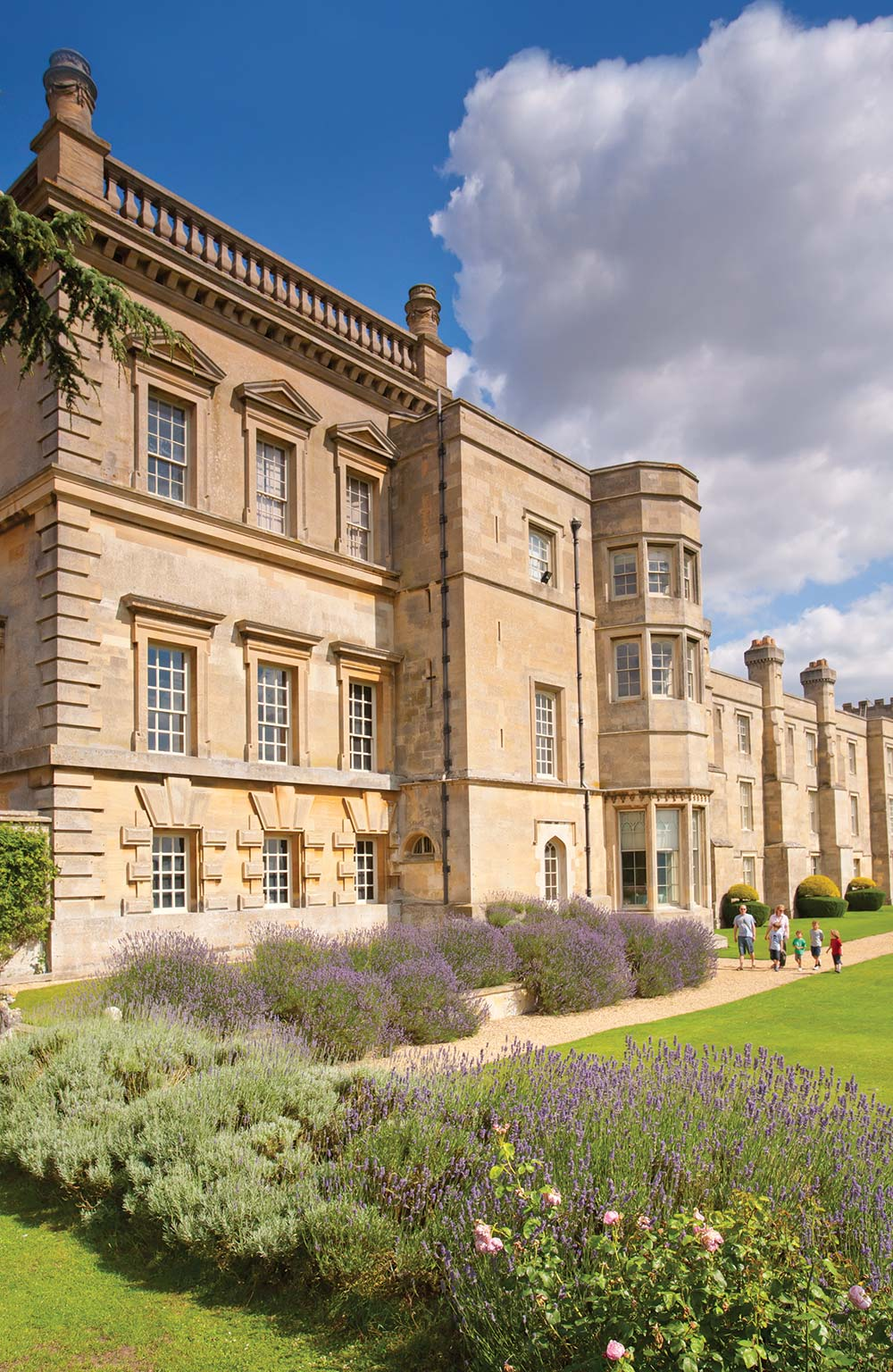 The-Fronatge-and-Garden-of-Grimsthorpe